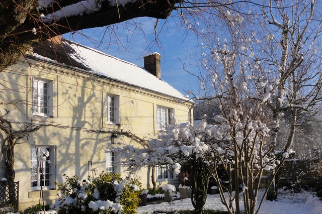 Our guest rooms under the snow in a Touraine